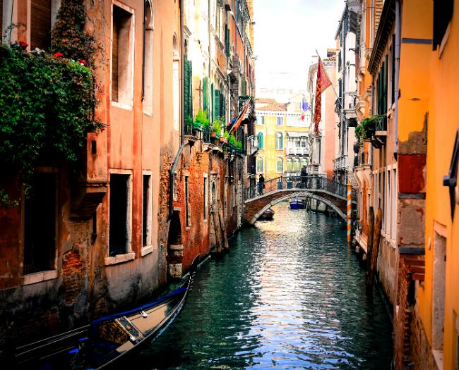 Cleaner Venice:  Positive effect of global lockdown