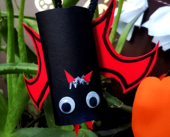 Vampire Hanging Bat: #2 of 5 Decoration Ideas for Halloween