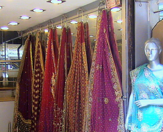 Take Saree or any Indian ethnic wear for women as gift items from Jaipur
