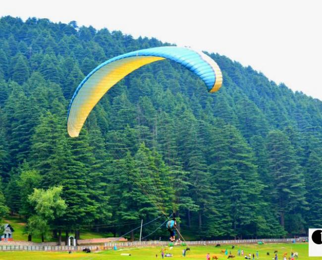 Mini-Paragliding for kids at Khajjiar