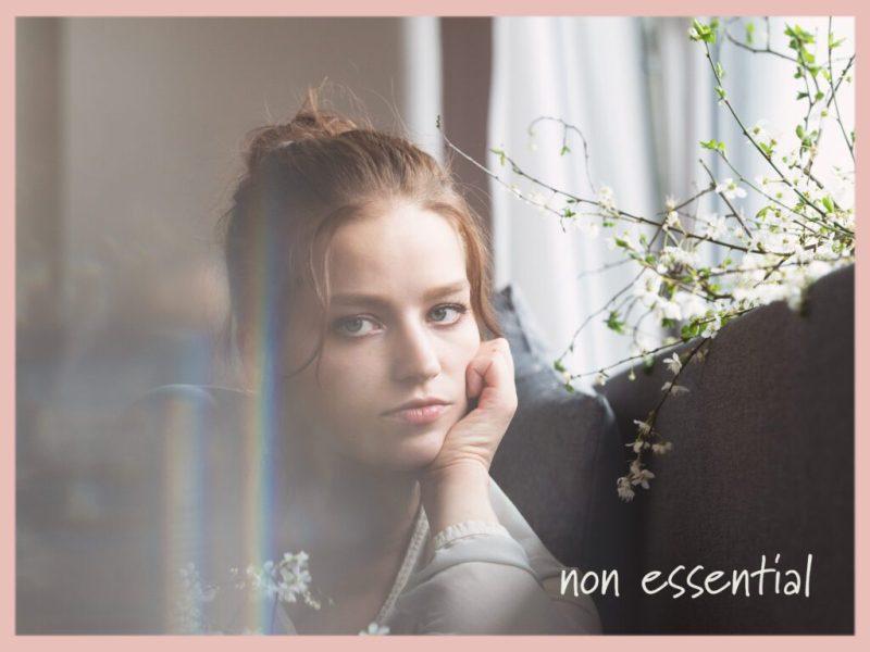Julia Karr Non Essential cover