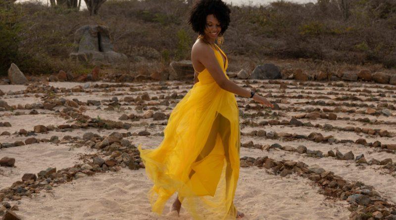 Safiya Lets Pretend single cover