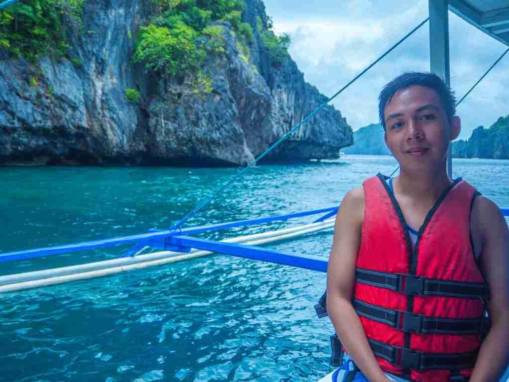 wearing life vest in el nido palawan