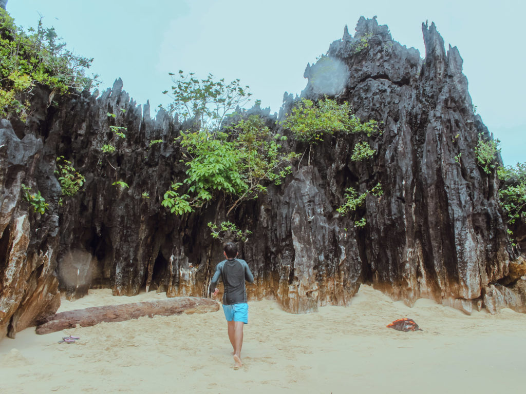 minalahos island in caramoan islands