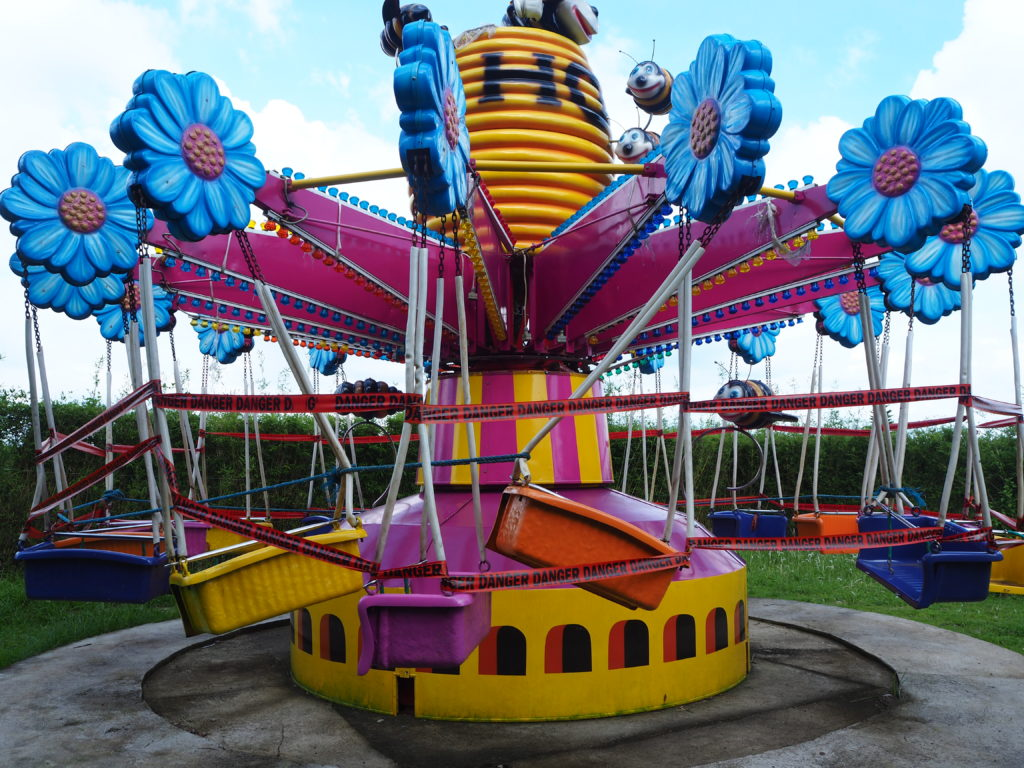 swing ride in fantasy world in lemery batangas
