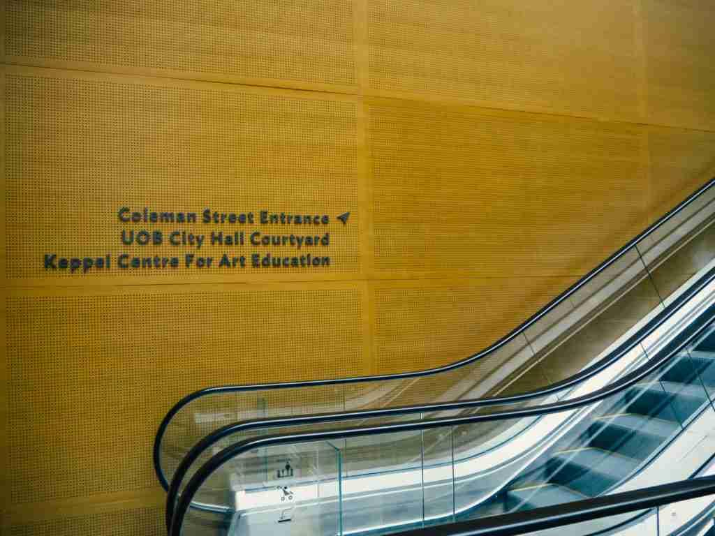 national gallery museum escalator