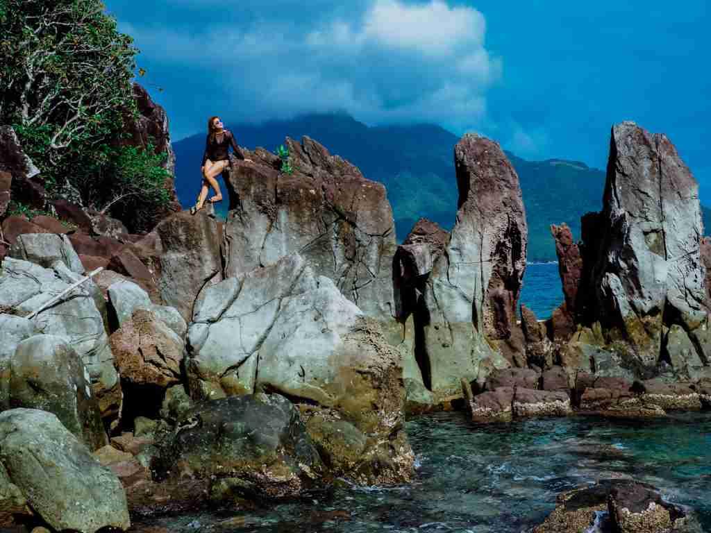 rock climbing in sambawan island