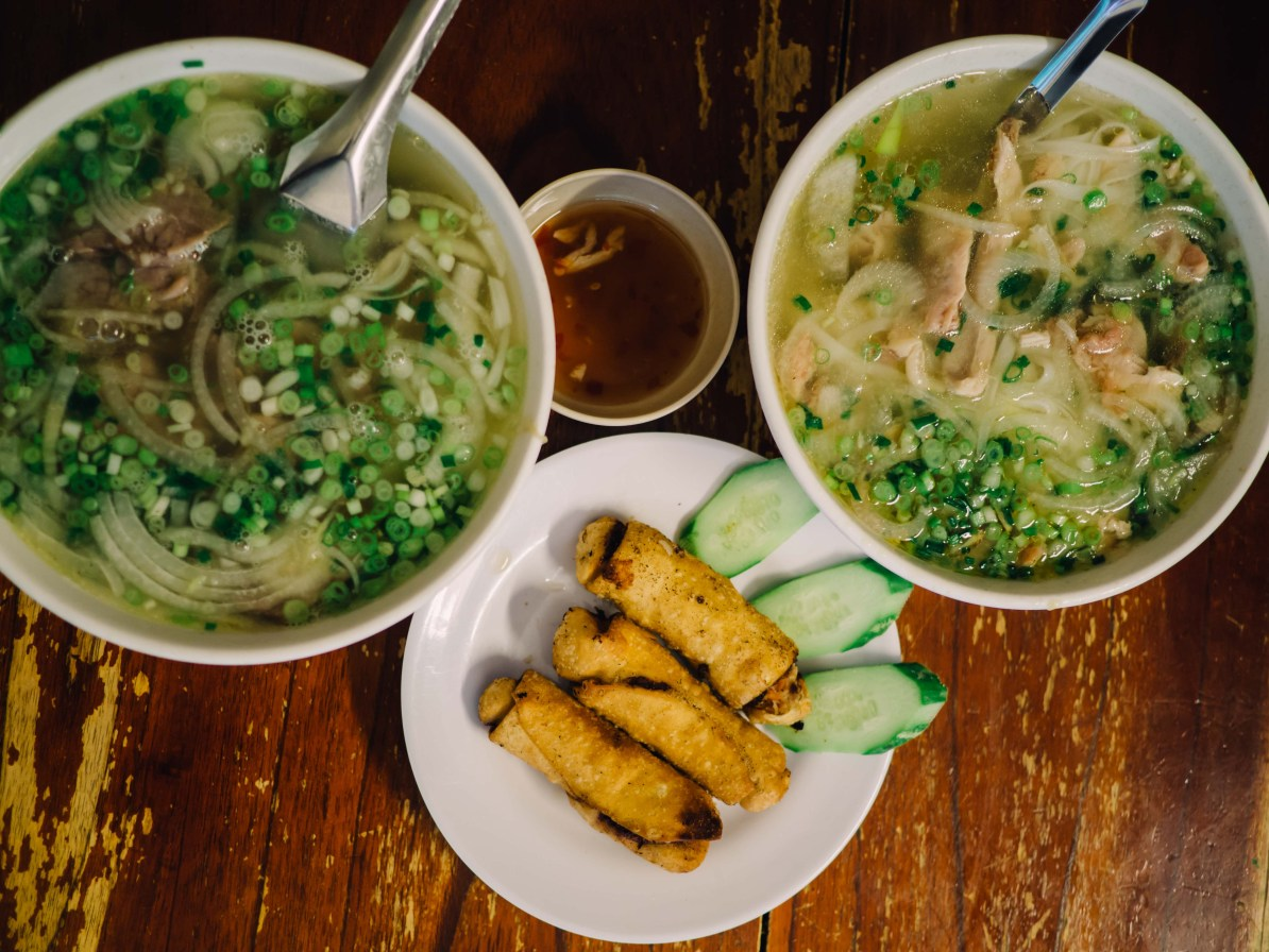 north vietnam travel itinerary noodle and roll restaurant hanoi