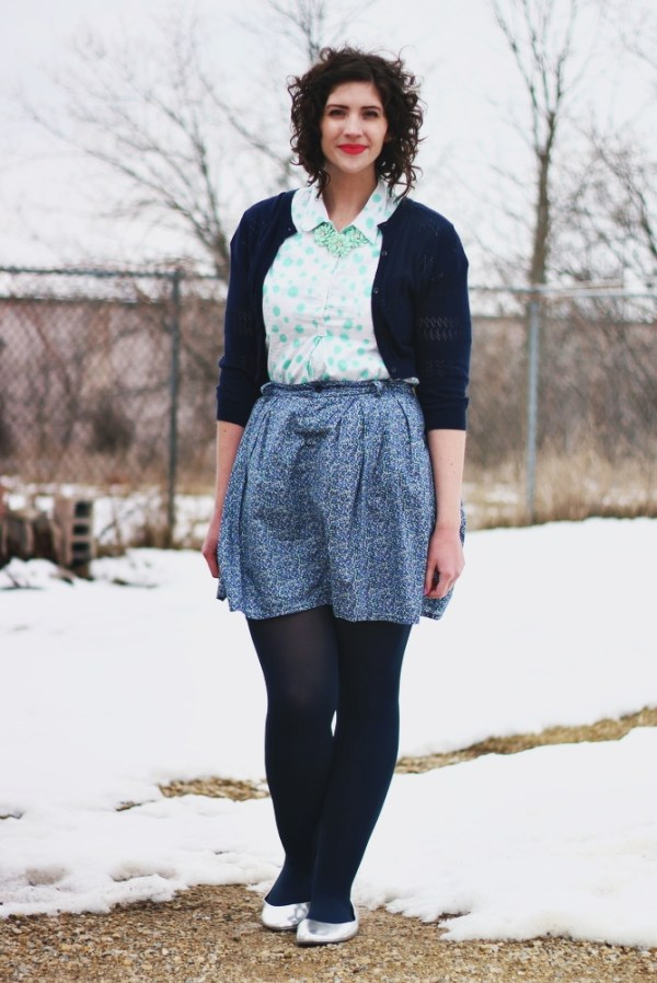 blue-pattern-mix-outfit-01
