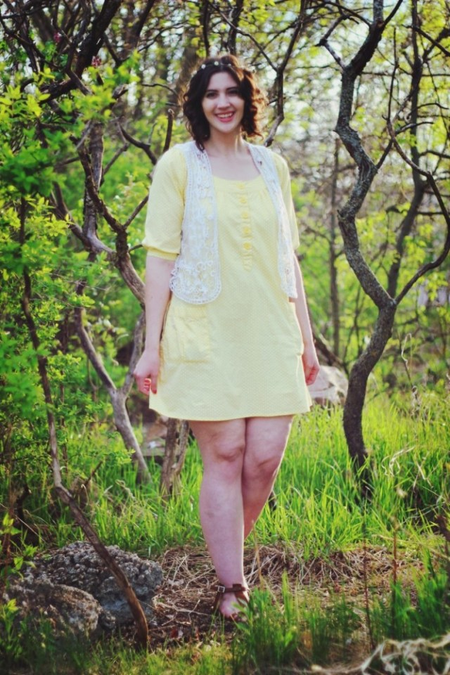 hannah rupp the outfit repeater Boho yellow dress flower crown woodsy outfit photography