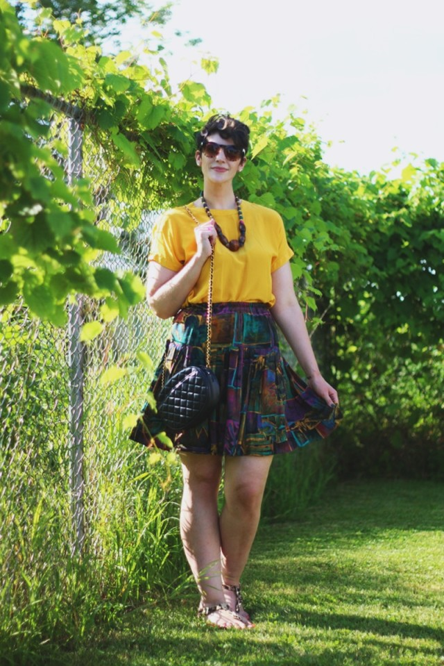 yellow-top-mixed-skirt-outfit-02