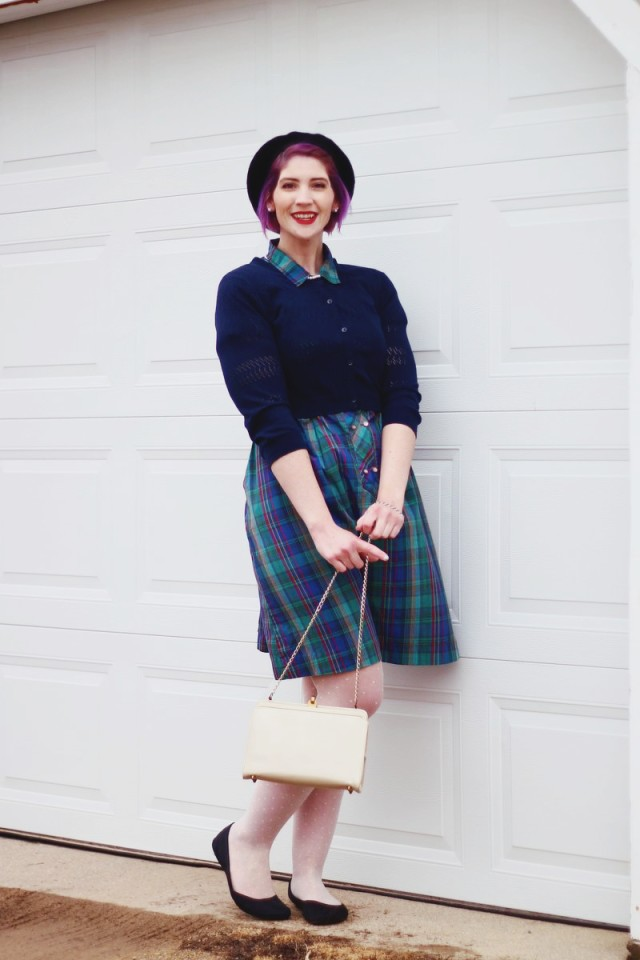 1950s-inspired-outfit-plaid-dress-06