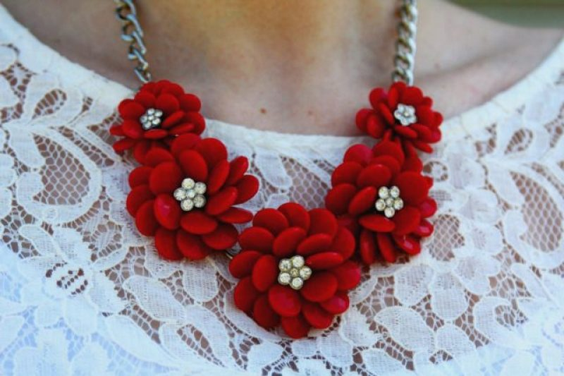 Spring style outfit: red flower necklace and white lace tee