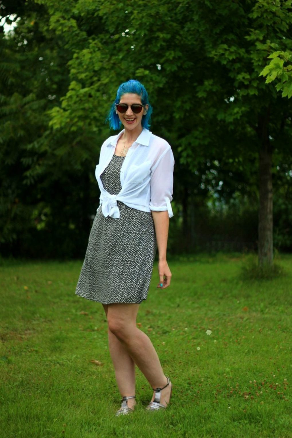 floral-dress-90s-blue-hair-outfit-06