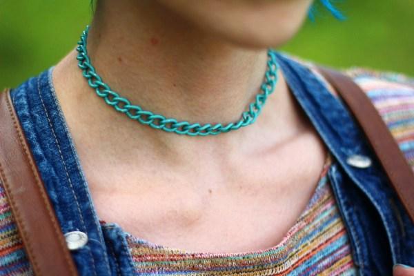rainbow-crop-top-denim-jumper-blue-hair-outfit-04