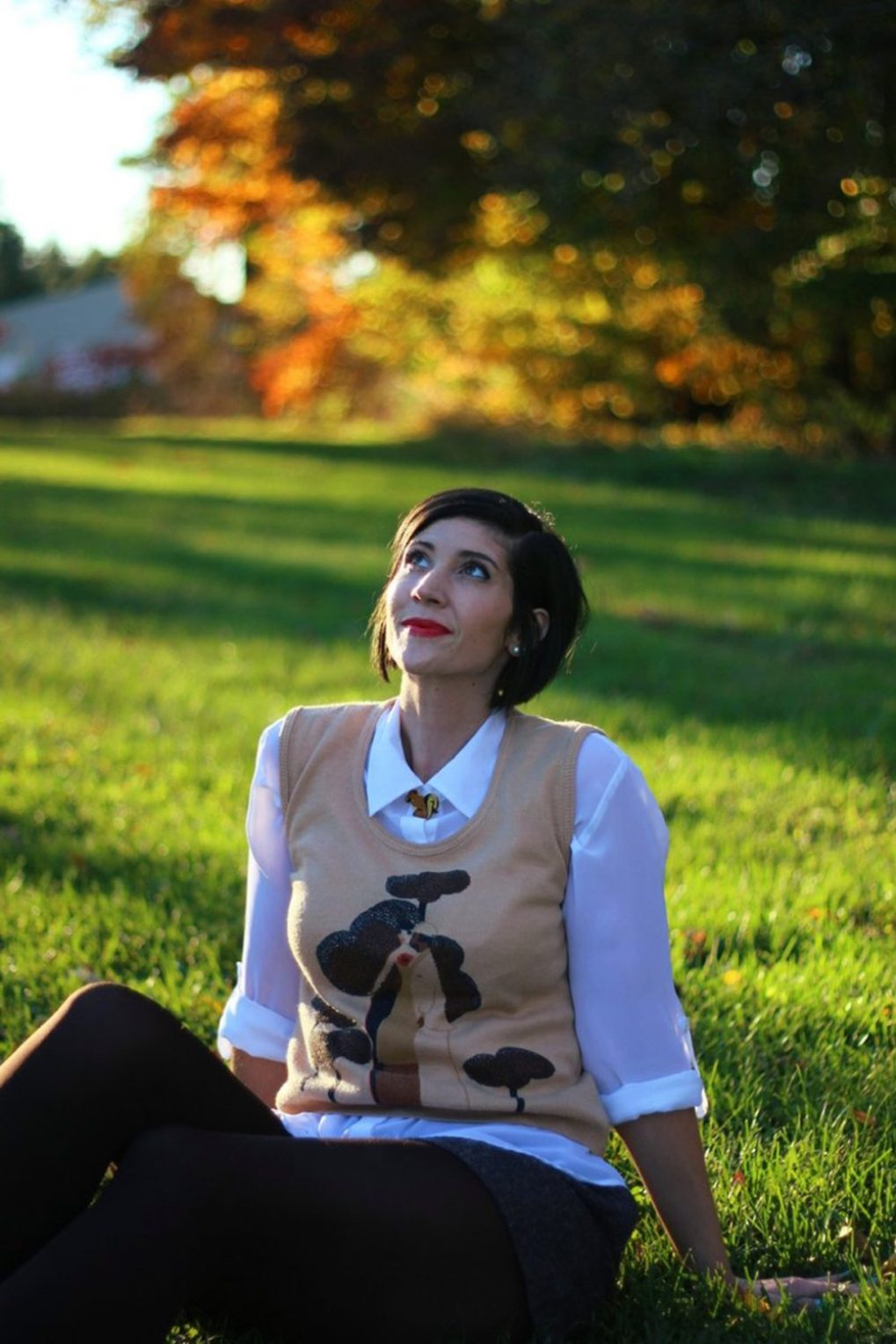 Outfit: White button down, vintage sweater vest, DIY wooden squirrel brooch, Colourpop lip gloss, tweed shorts with tights, brown flats
