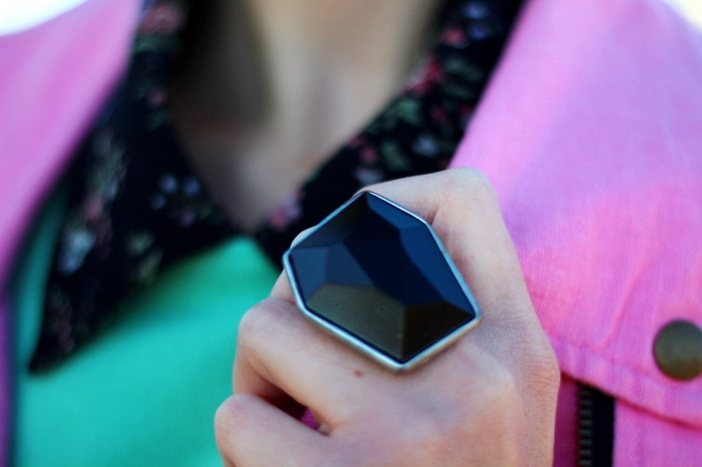 Outfit details: black statement ring
