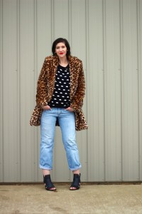 leopard-print-coat-street-style-boyfriend-jeans-hannah-rupp-outfit-repeater-02