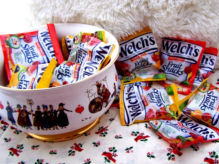 welch's fruit snacks where do you take your tropical fruity chewy food foods treats kids fun holidau gift guide the outspoken yam blogs 2017