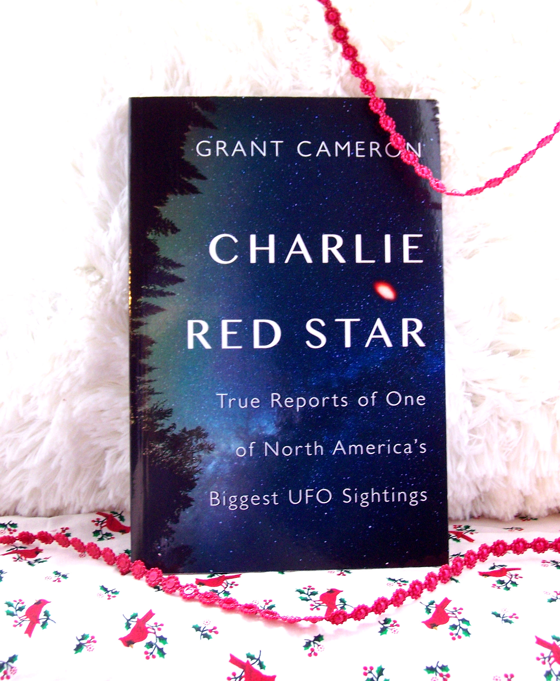 charlie red star books nonfiction ufo ufos ships spaceships nuclear canada reading reviews giveaway holiday gift guide