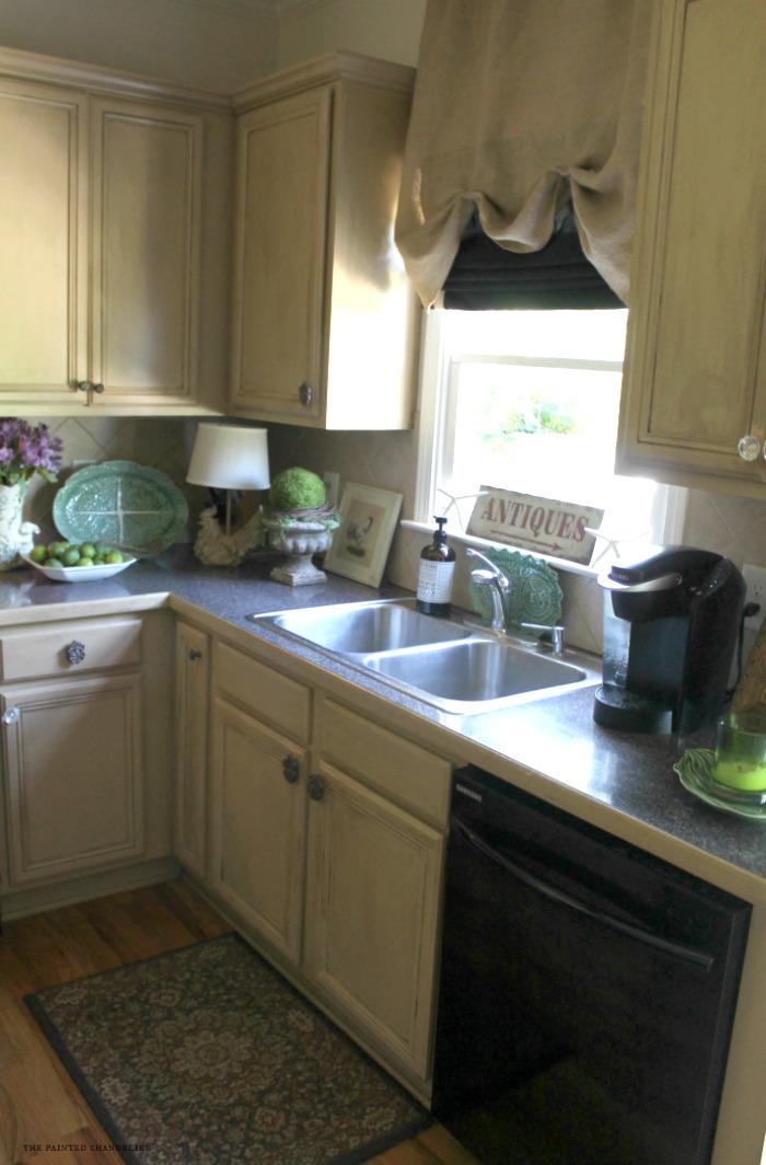 kitchen-sink-and-window
