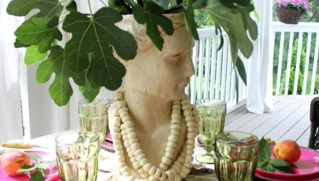 4 Casually Elegant Summer Porch Tablescapes