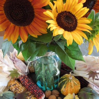 Fall Centerpiece Ideas Using Natural Materials