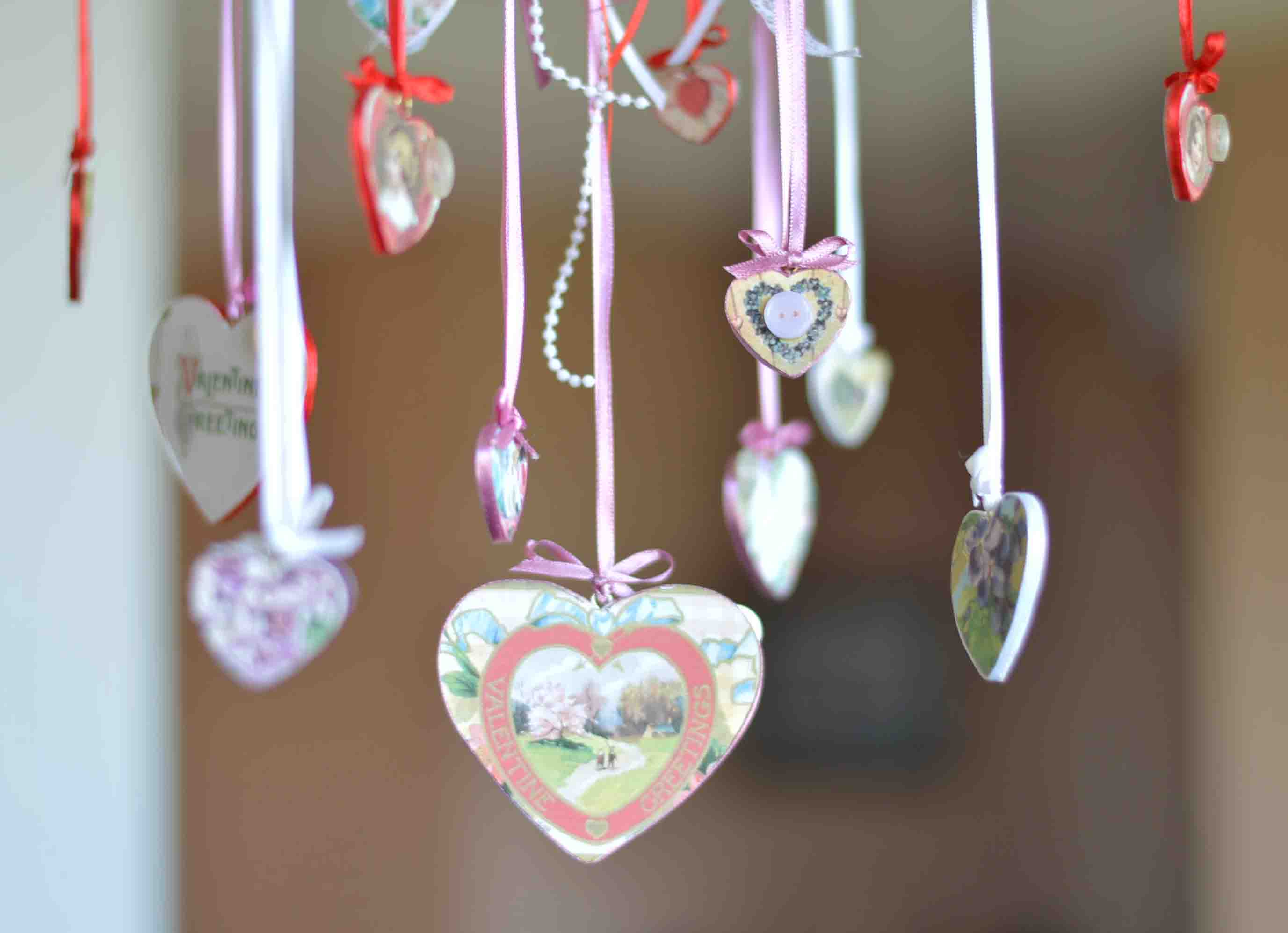 Even the family pet is gorgeous, what a majestic animal! Shabby Chic Valentine S Day Mobile Tutorial