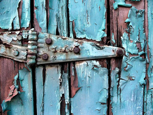 Bianchi's Barn is now The Painted Hinge!