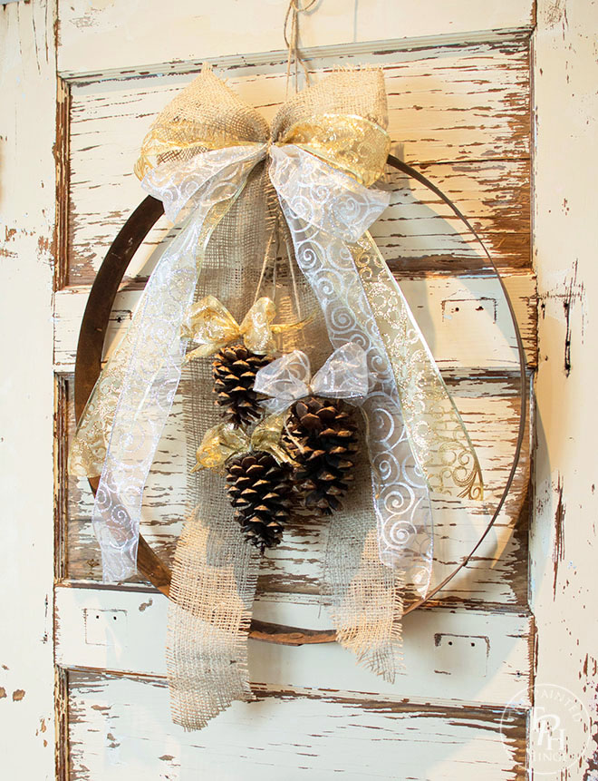 diy-wine-barrel-ring-christmas-wreath-4