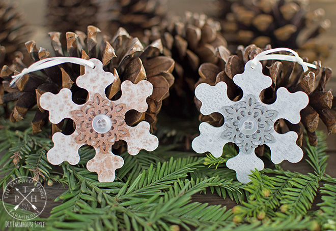 diy chalk paint wood snowflake christmas ornaments - Wooden Christmas Ornaments To Paint