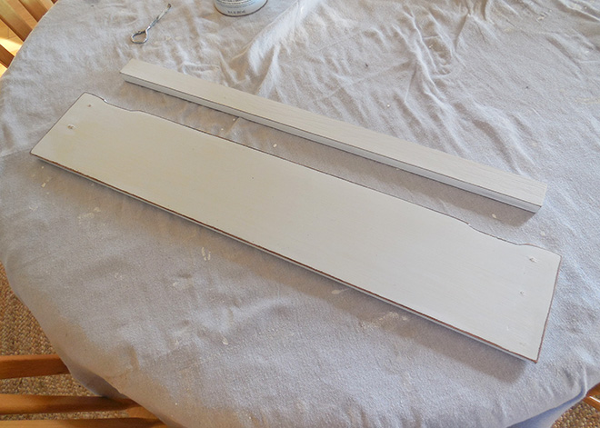 Farmhouse Bathroom Shelf Makeover