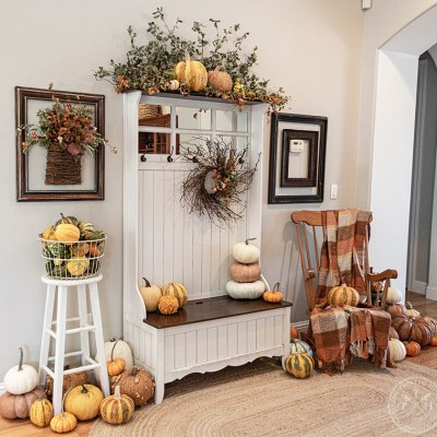 A Quick Entryway Bench Makeover for Fall
