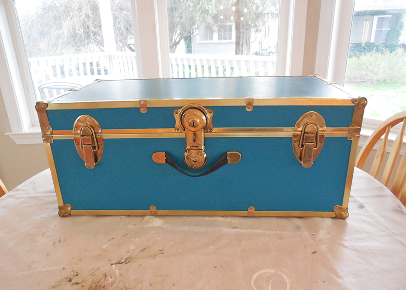 Vintage Trunk Makeover with Chalk Paint