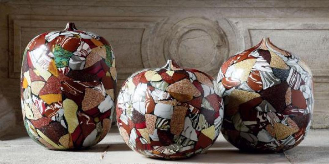 L-italian-glass-pots-exhib