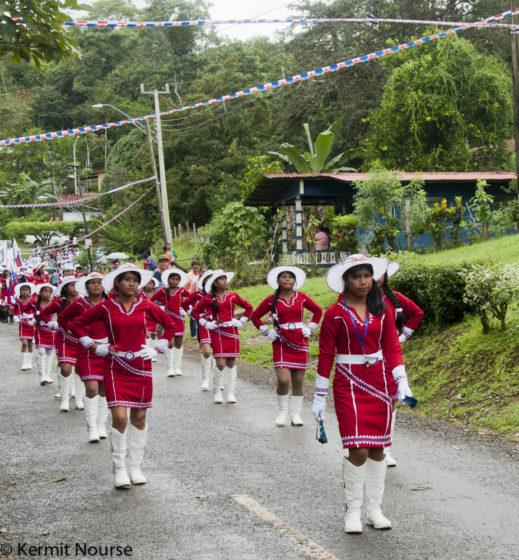 desfile rojo 1