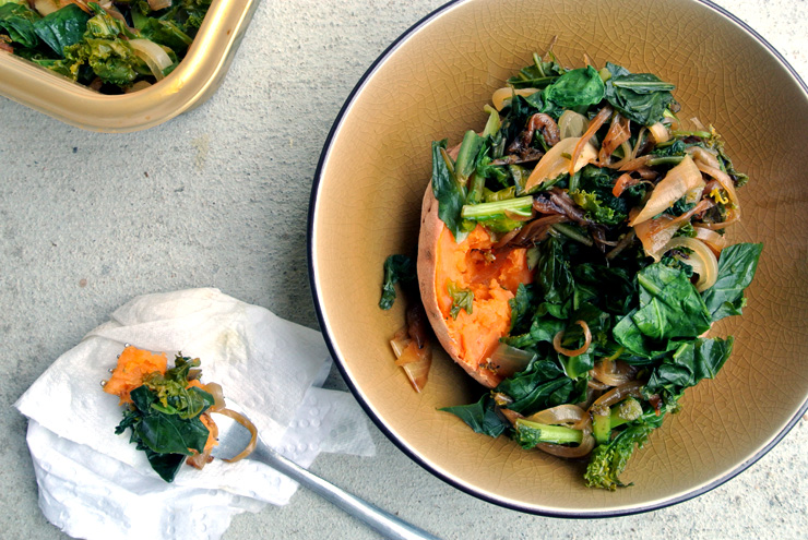 Baked sweet potato with greens
