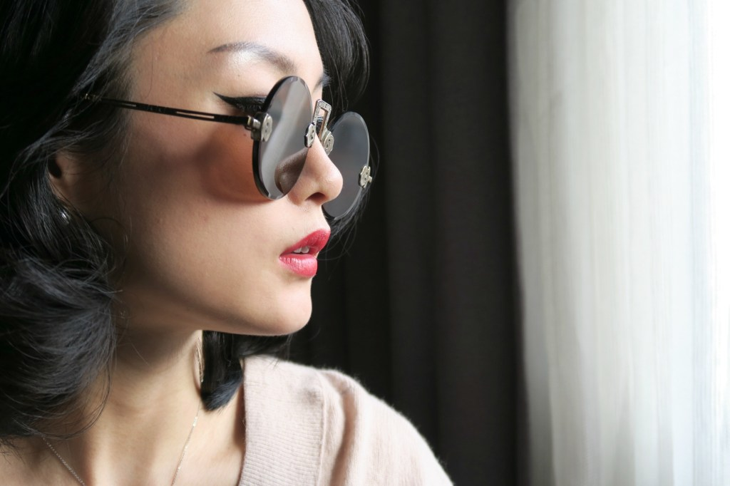 wearing-antique-chinese-sunglasses-1-20161115