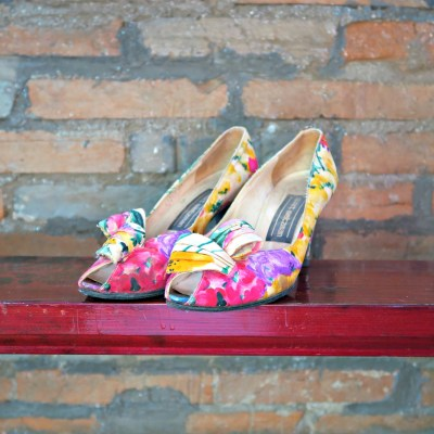 Vintage Stuart Weitzman floral heels made from Satin 1970s front view
