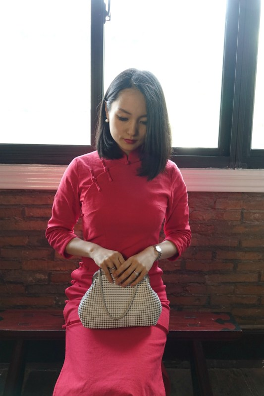 Oroton 60s vintage mesh bag with red qipao sitting