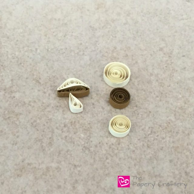 DIY Quilling Paper Mushroom - Mini quilling paper mushrooms tutorial for all your paper crafting needs! | thepaperycraftery.com