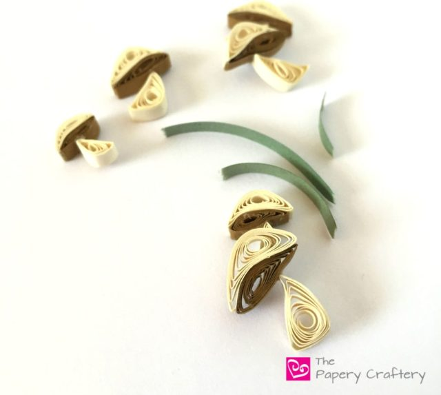 Paper Mushrooms - Mini quilling paper mushrooms tutorial for all your paper crafting needs! | thepaperycraftery.com