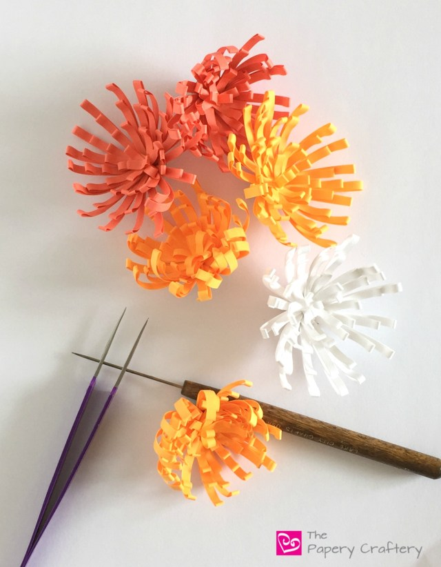 MakingQuillingPaperMums - How to Make Quilling Paper Mums
