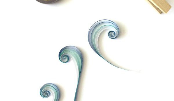 How to Make Quilling Paper Swirls for leaves and filigree details || www.thepaperycraftery.com