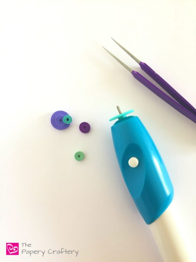 Do you need a battery operated quilling tool? ~ Pros and cons of using an automatic quilling tool for your designs || www.thepaperycraftery.com