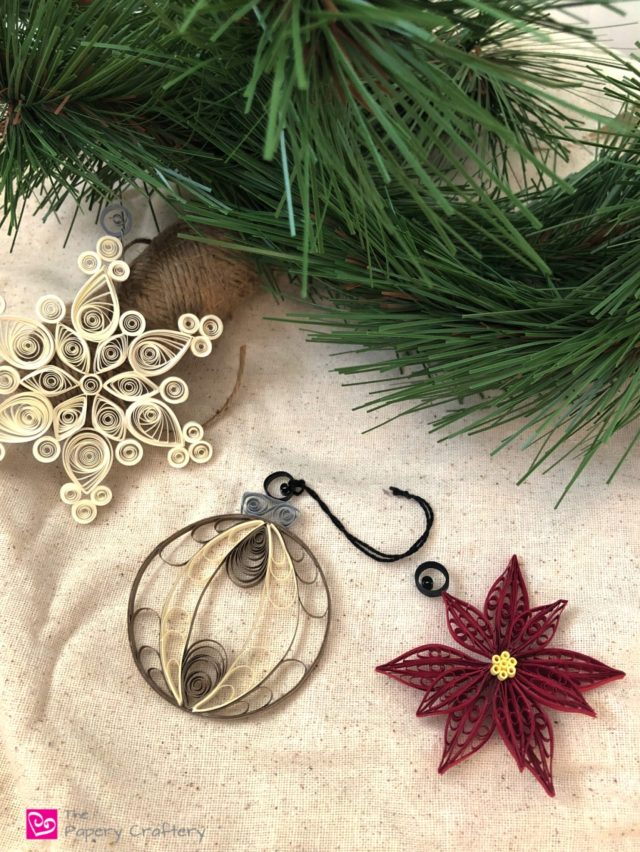 How to Turn Your Quilling Crafts into Ornaments - Quick tips to change any quilling into a Christmas ornament || www.ThePaperyCraftery.com
