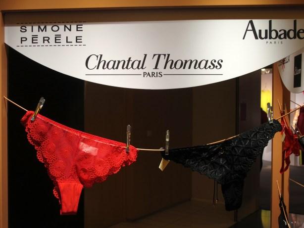 dentelles et cristaux pour la St Valentin 2013 : panties bar Galeries Lafayette
