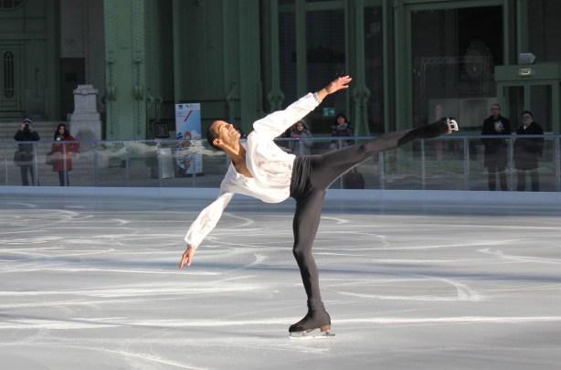 patineur patinoire éphémère grand palais paris