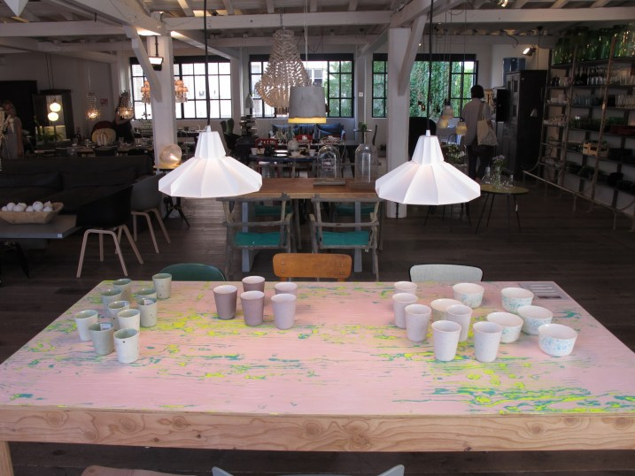 table bois peint Merci