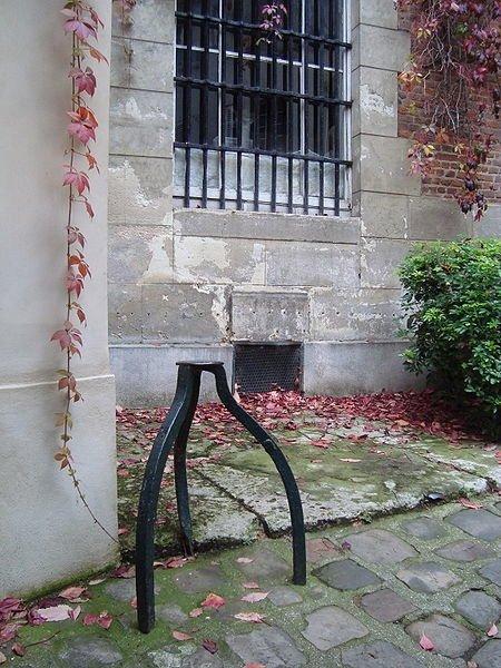 Pas De Mule Cour De Rohan - source Yelp.fr